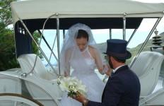 wedding-doug-helping-bride-