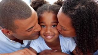 parents-enfants-amour-bisous